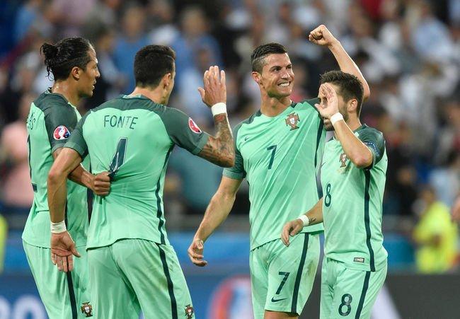 Cristiano Ronaldo Rises To The Occasion Lifts Portugal